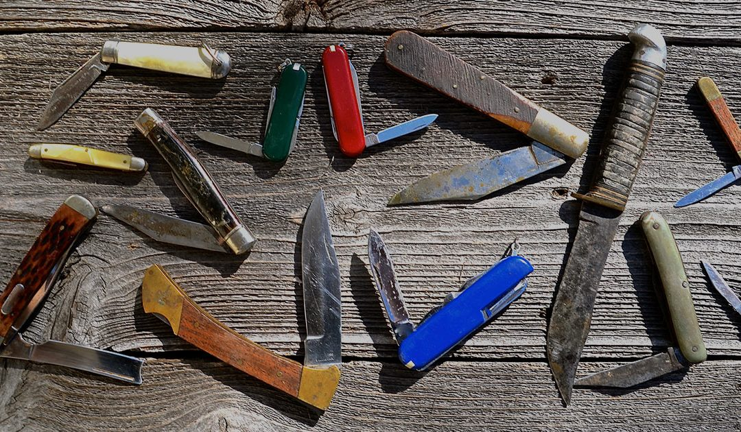 5 Best Pocket Knife Brands for Hiking [That are Realistic]